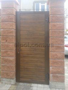 калитка и откатные ворота АДС 400 сэндвич-панель вид со двора