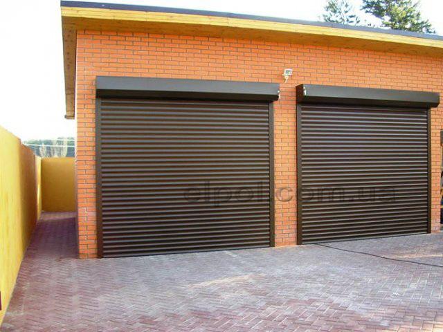 Двойные ворота в гараж