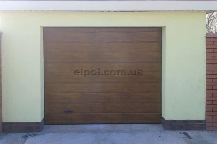 секционные гаражные ворота,