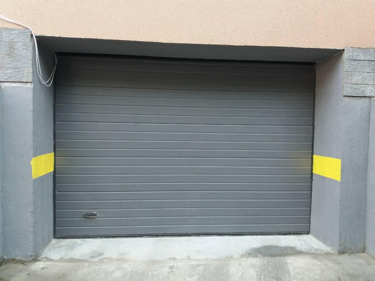 секционные ворота и калитка в гараж