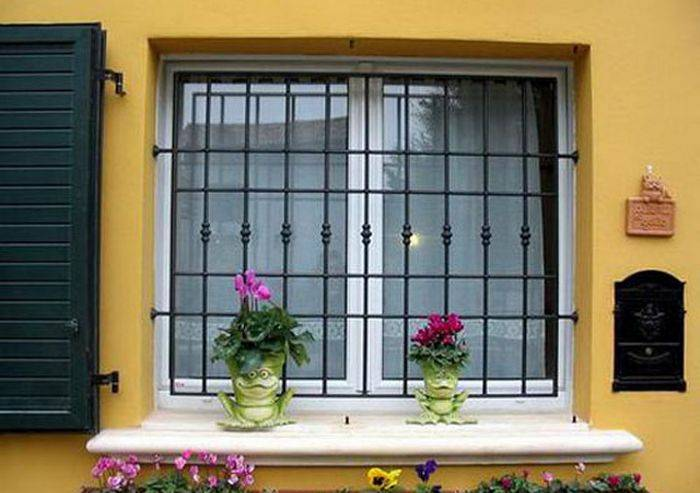решетки на окна в частном доме